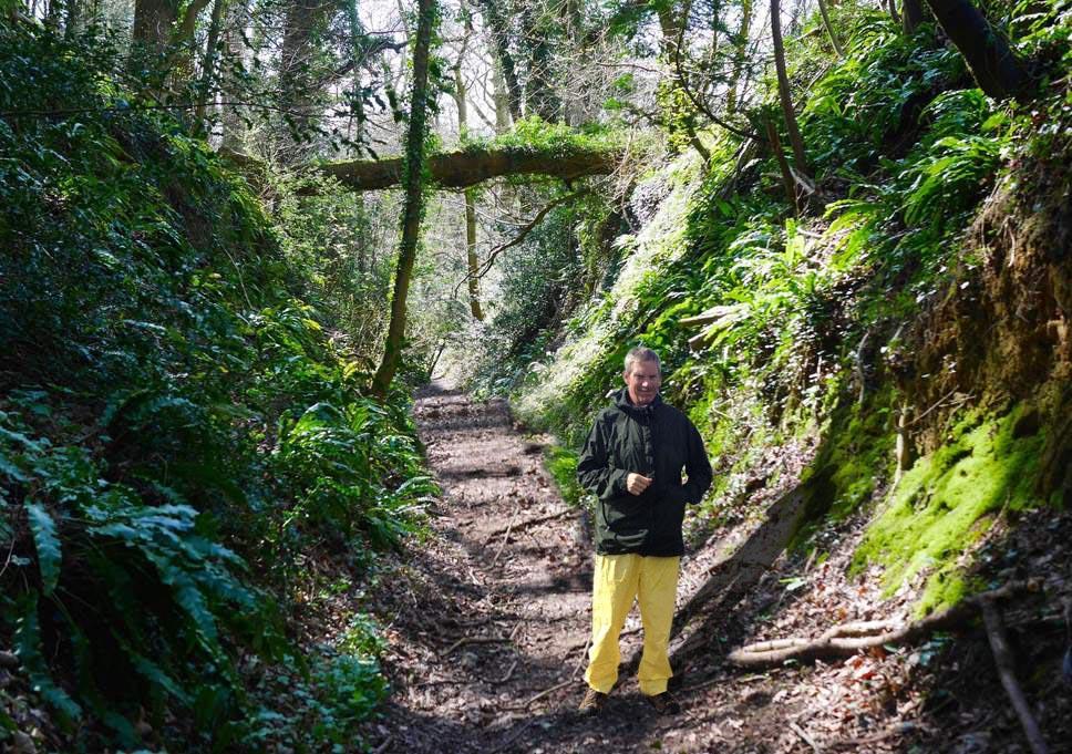 Long Distance Walks in Roman Way, Cotswolds in England